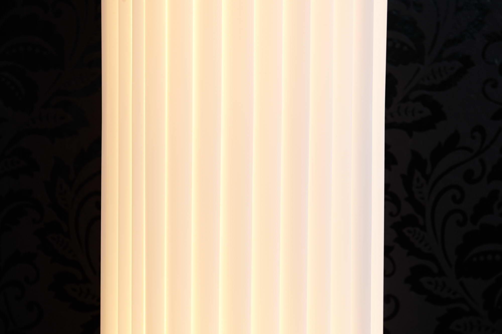 Stojanová Parlor lampa bílá