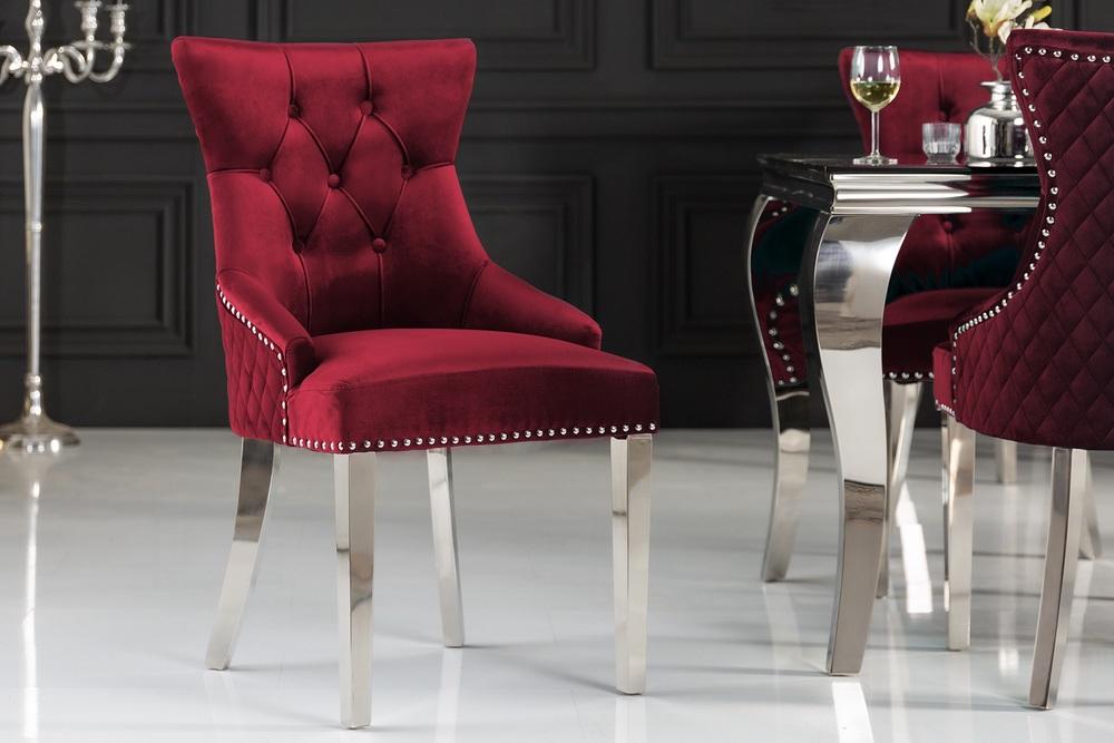 Designová židle Queen Lví hlava samet červená