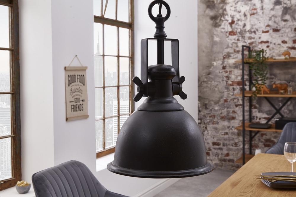 Designové závěsné svítidlo Commercial černé