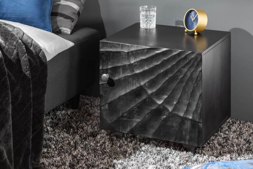 Designový noční stolek Shayla 50 cm černé mango