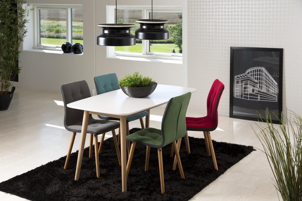 Jídelní stůl Naiara 150 cm dub bílý lak