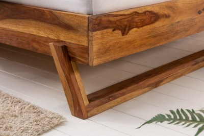 designova-postel-massive-180-x-200-cm-prirodni-sheesham-2