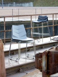 Dizajnová stolička Leona / šedá