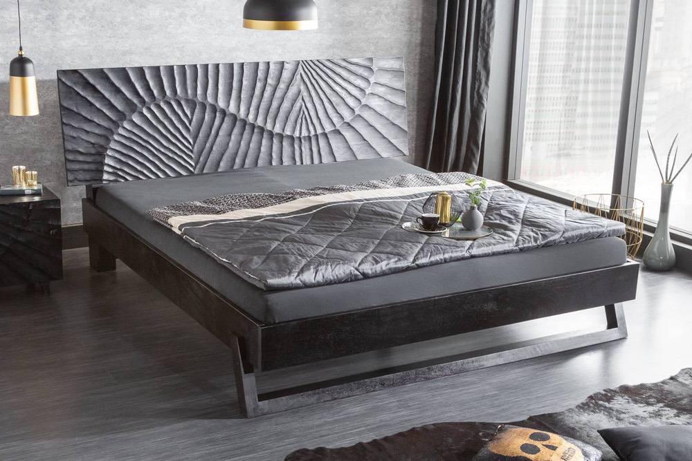 Stylová postel Shayla 180 x 200 cm černé mango